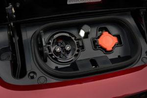 Зарядні порти Nissan Leaf 2018