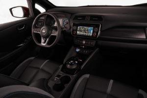 Інтер'єр Nissan Leaf 2018