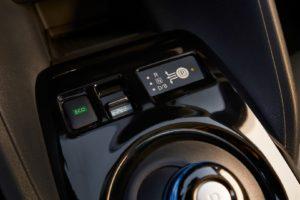 Інтер'єр Nissan Leaf 2018 — фото 20