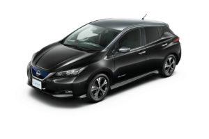 Електромобіль Nissan Leaf 2018 — колір silver & black