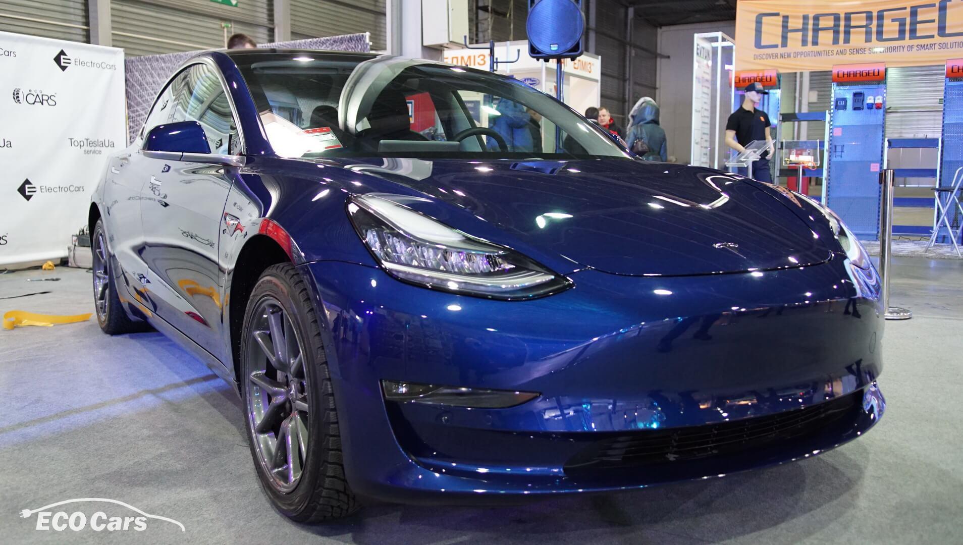 Tesla Model 3на виставці Plug-In Ukraine 2018