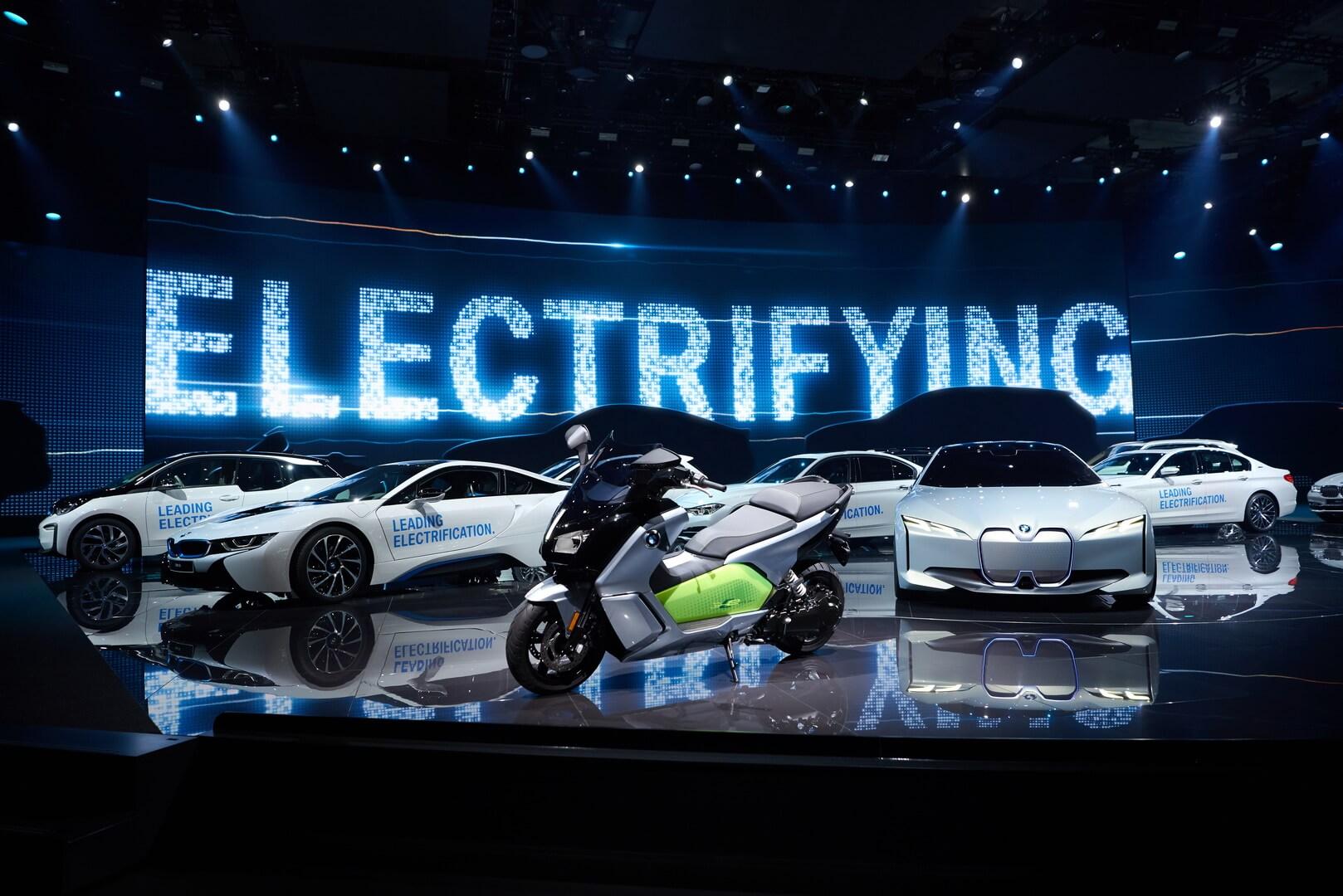 Електрифіковані автомобілі BMW i