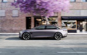 Концепт автономного електричного седана BYTON K-Byte— вид збоку