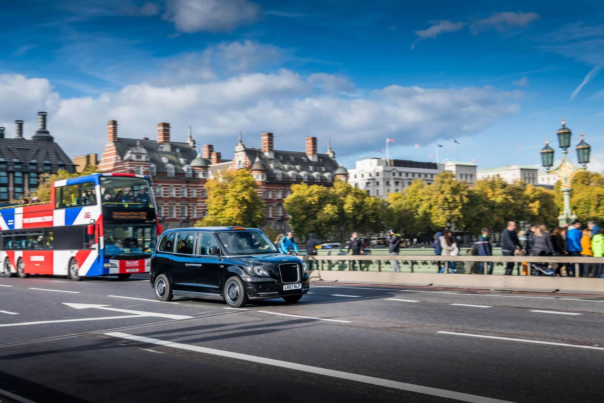 Електрифіковане таксі у Лондоні LEVC TX