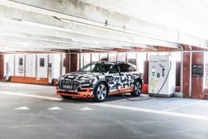 Audi e-tron quattro — фото 3