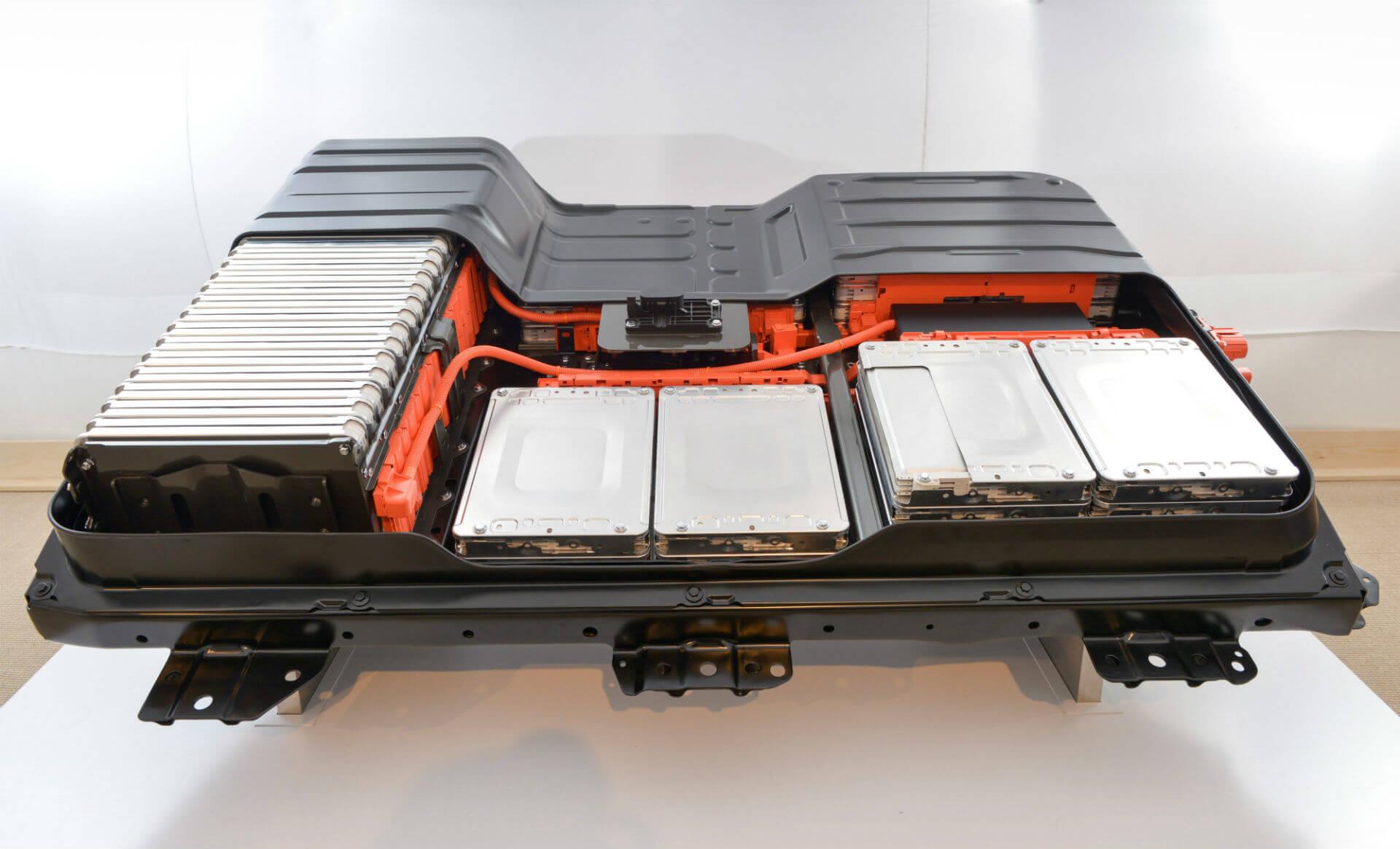 У Nissan Leaf немає активної системи охолодження батареї