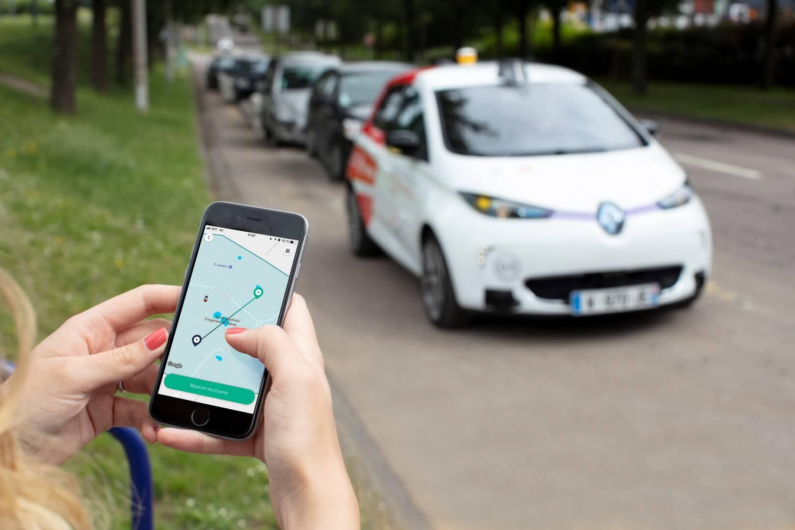 Виклик безпілотного таксі через додаток
