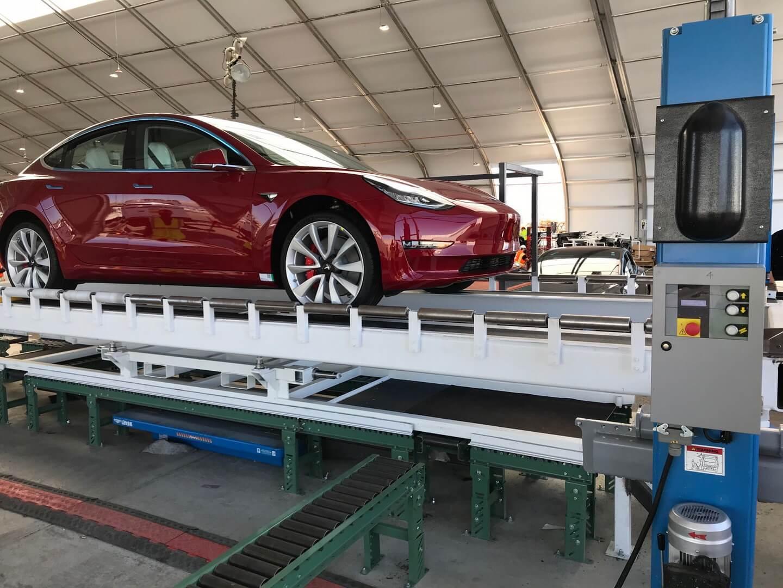 Tesla Model 3 на тесті
