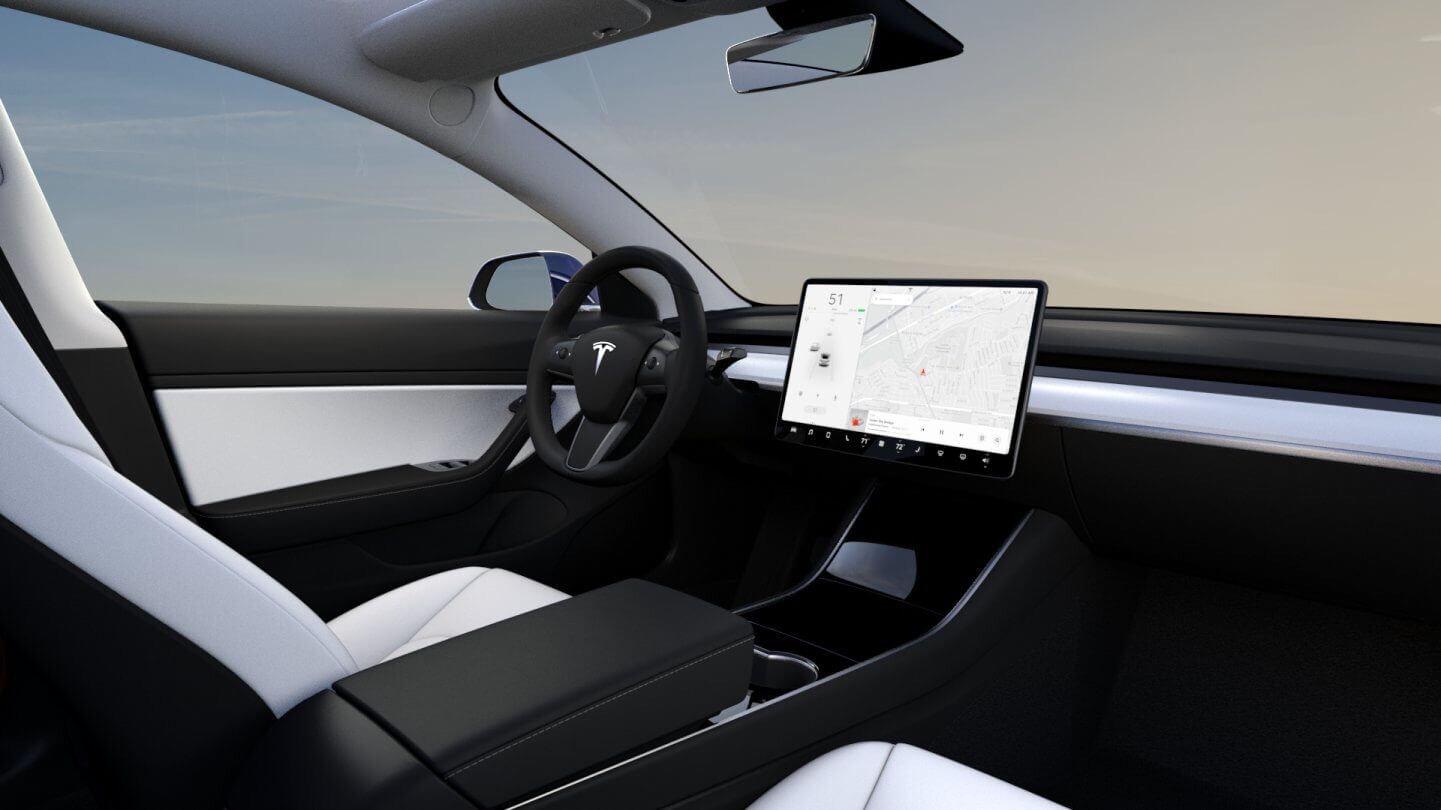 Варіант білого оздоблення інтер'єру Tesla Model3 Performance