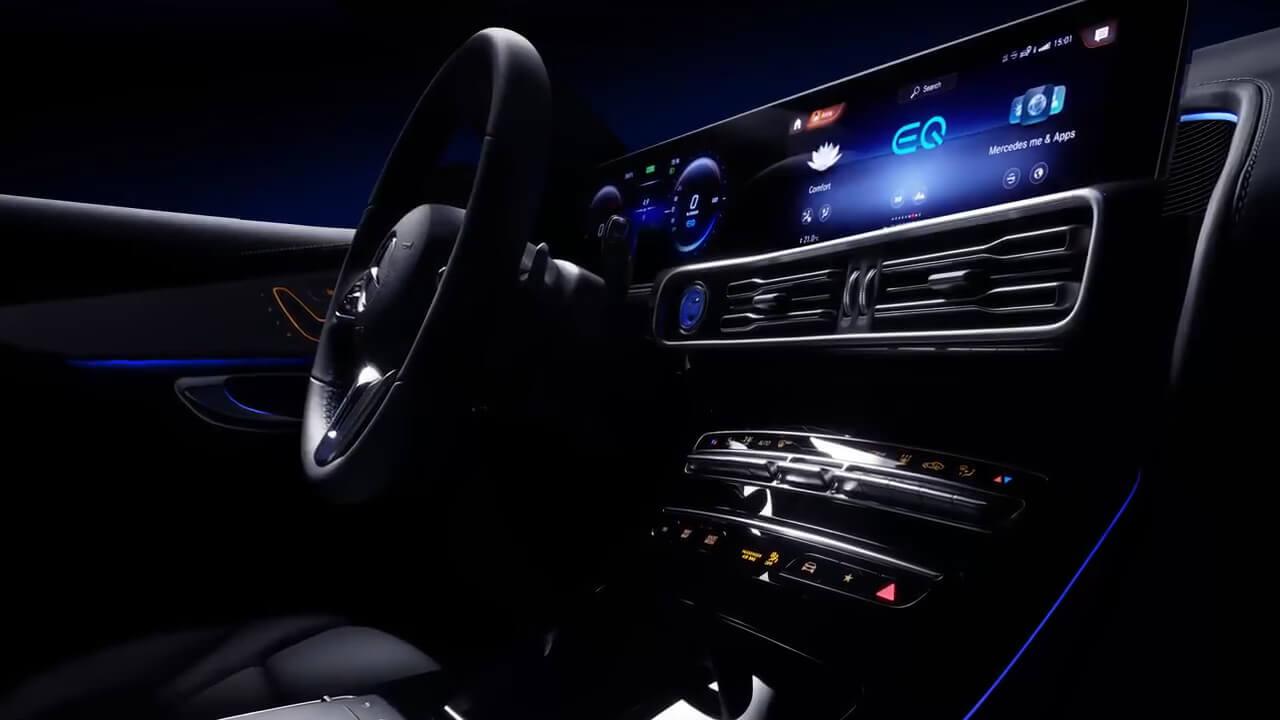 Інтер'єр електромобіля Mercedes-Benz EQC