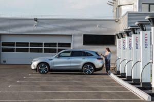 Екстер'єр Mercedes-Benz EQC — фото 6