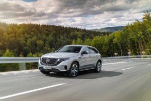 Екстер'єр Mercedes-Benz EQC — фото 11