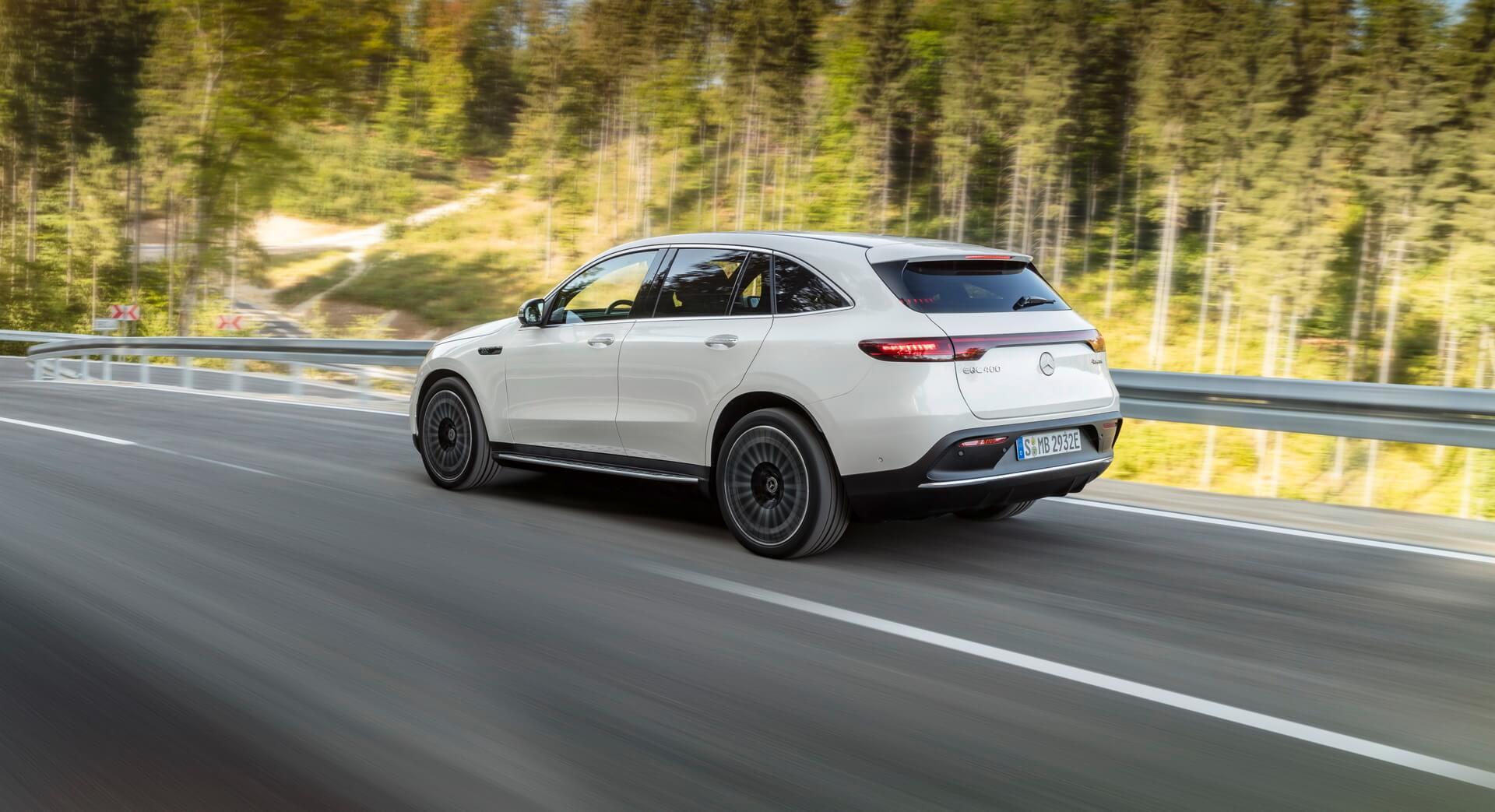 Кросовер Mercedes-Benz EQ