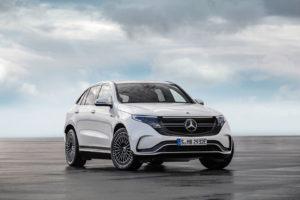 Екстер'єр Mercedes-Benz EQC — фото 12