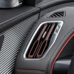 Інтер'єр Mercedes-Benz EQC — фото 3