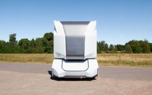 Повністю електрична автономна вантажівка T/log - вид спереду