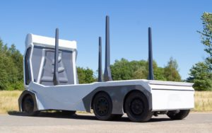 Повністю електрична автономна вантажівка T/log - вид ззаду