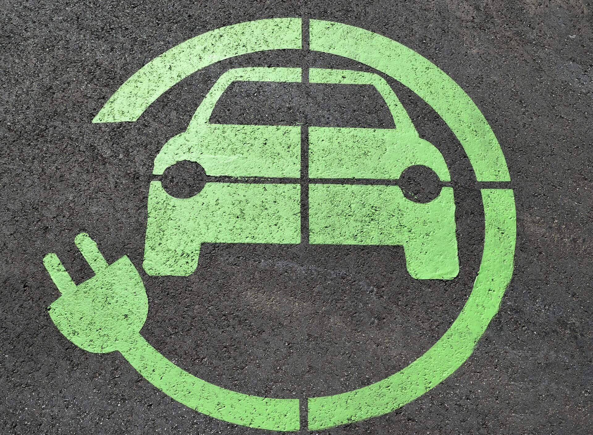Зеленим номерами бути: електромобільний закон підписаний Президентом