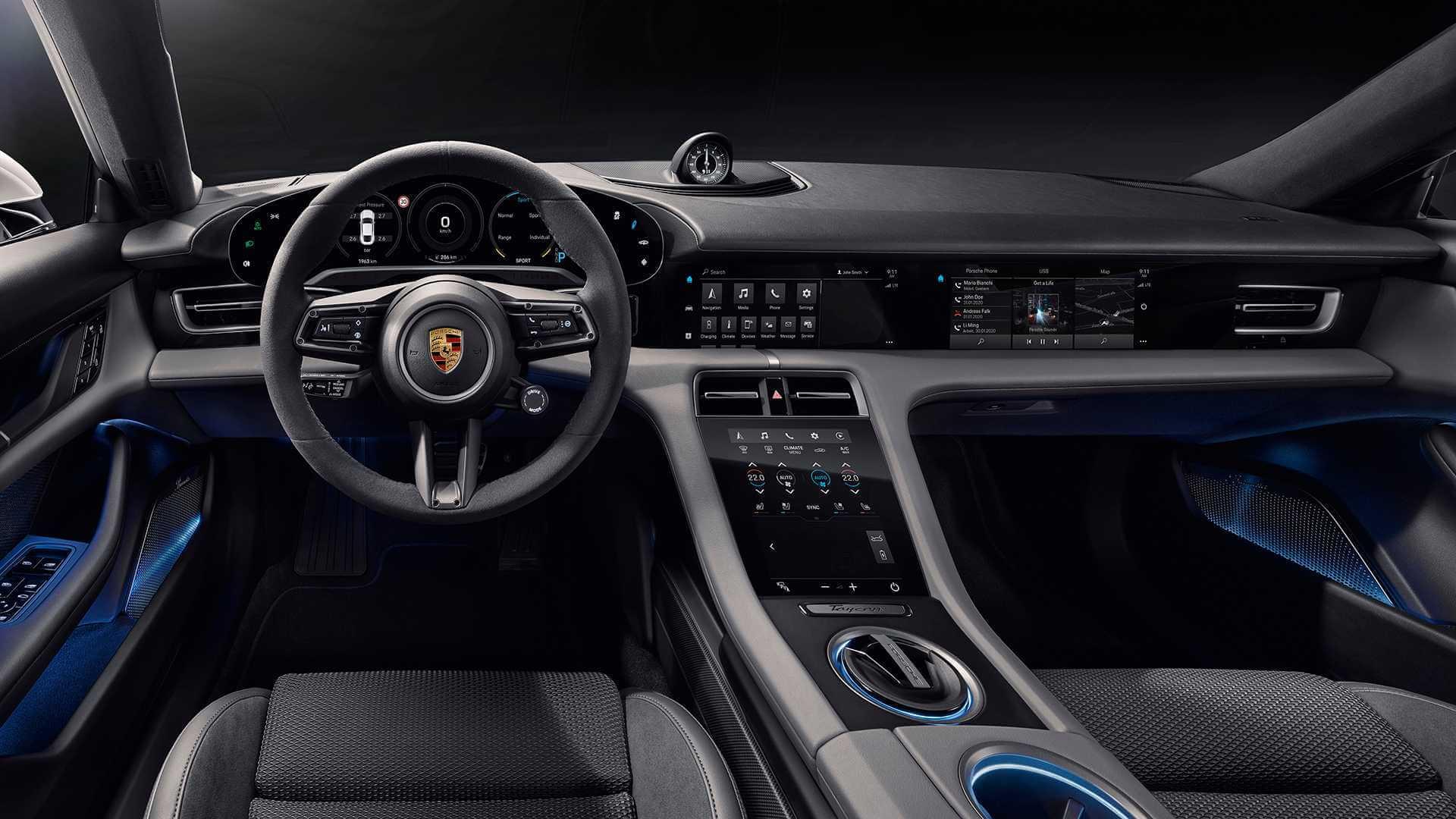 Porsche представив інтер'єр серійної версії електромобіля Taycan