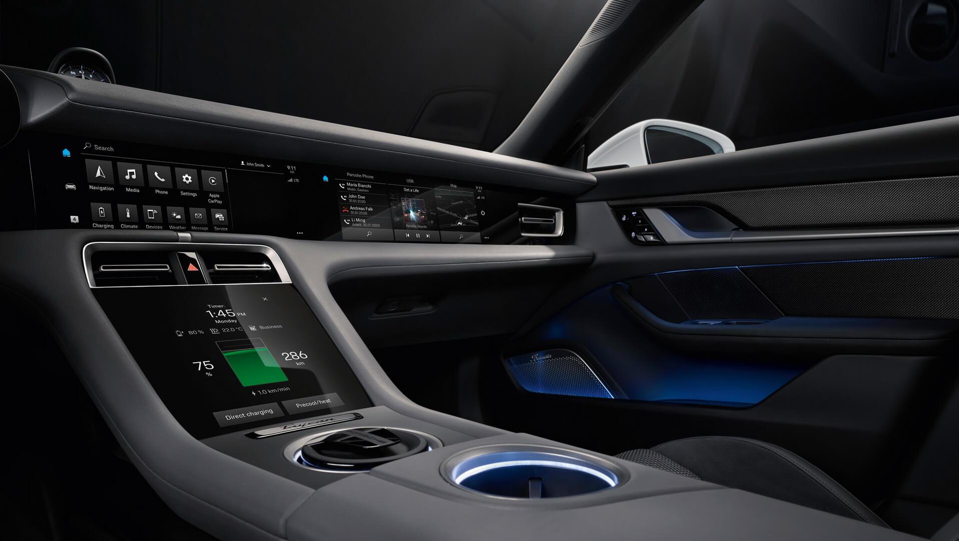 Центральні дисплеї електромобіля Porsche Taycan