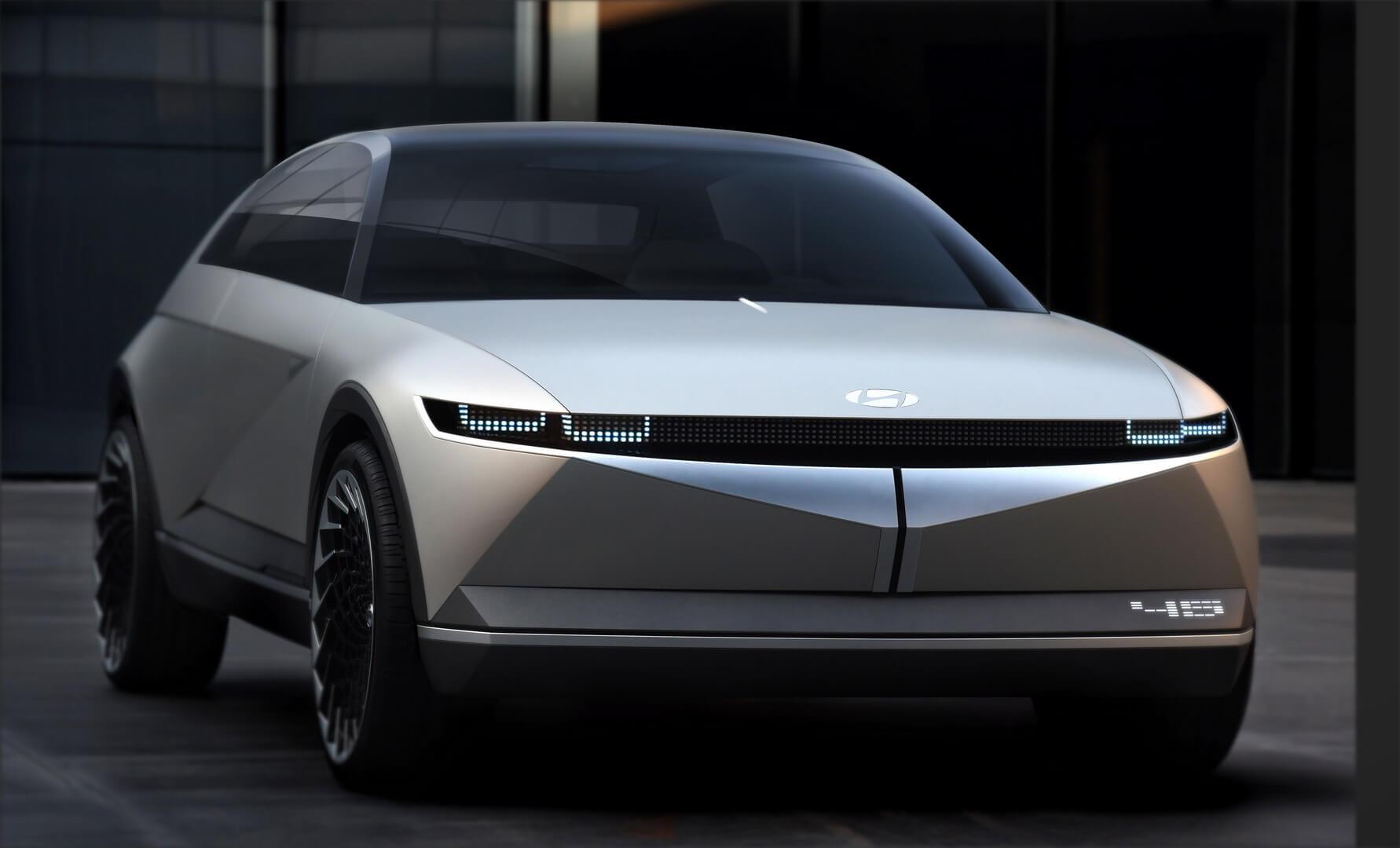 Концепція ретро електромобіля Hyundai «45»