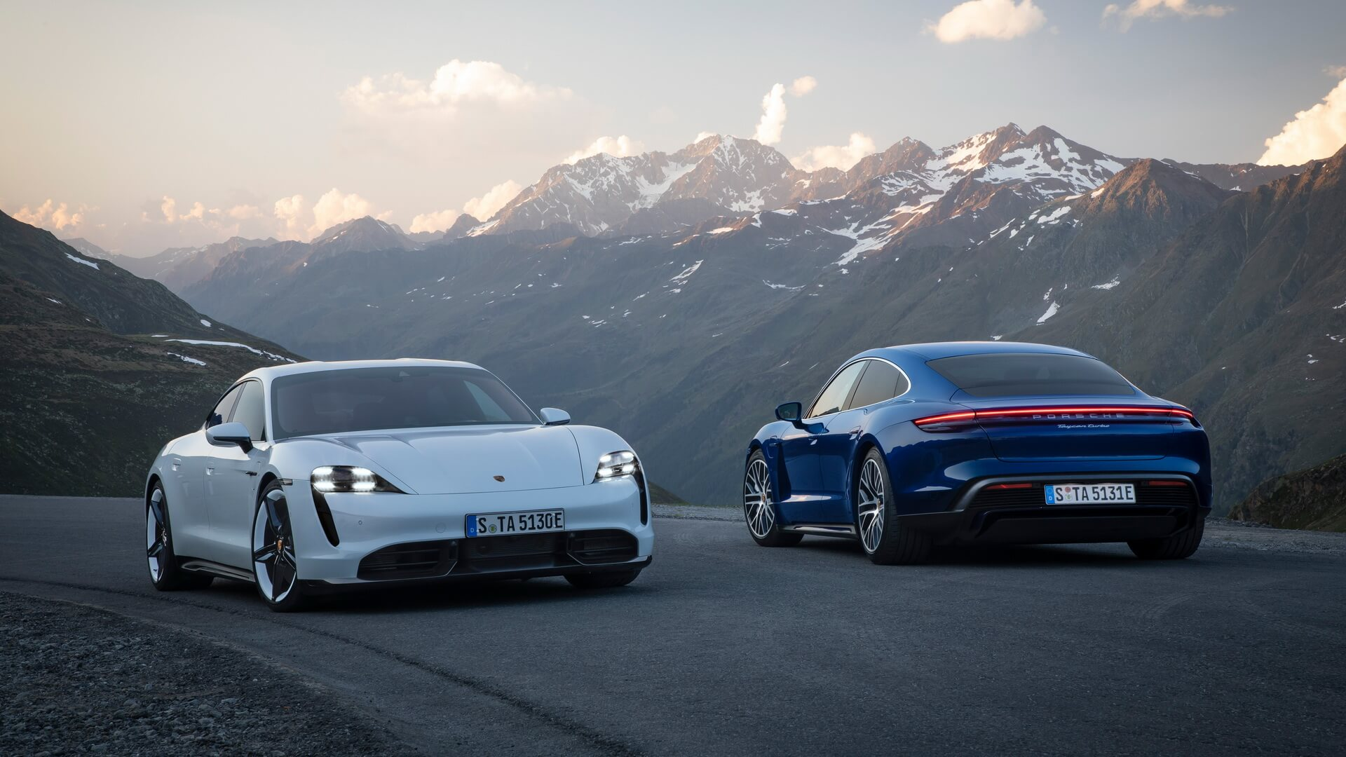 Porsche Taycan Turbo S и Taycan Turbo
