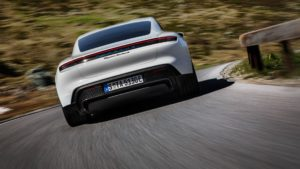 Дизайні екстер'єру Porsche Taycan - фото 8
