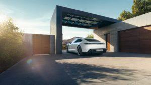 Електромобіль Porsche Taycan