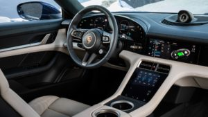 Інтер'єр Porsche Taycan - фото 5