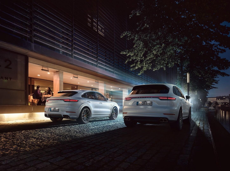Надпотужні гібридні позашляховики Porsche Cayenne та  Porsche Cayenne Coupé