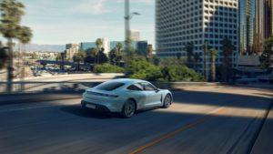 Спортивний електрокар Porsche Taycan 4S