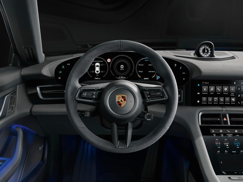 Дизайн інтер'єру Porsche Taycan 4S