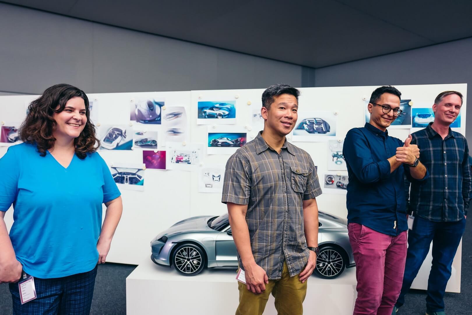 Дизайнери компанії Porsche AGікінокомпанії Lucasfilm Ltd. співпрацюють над дизайном зорельоту