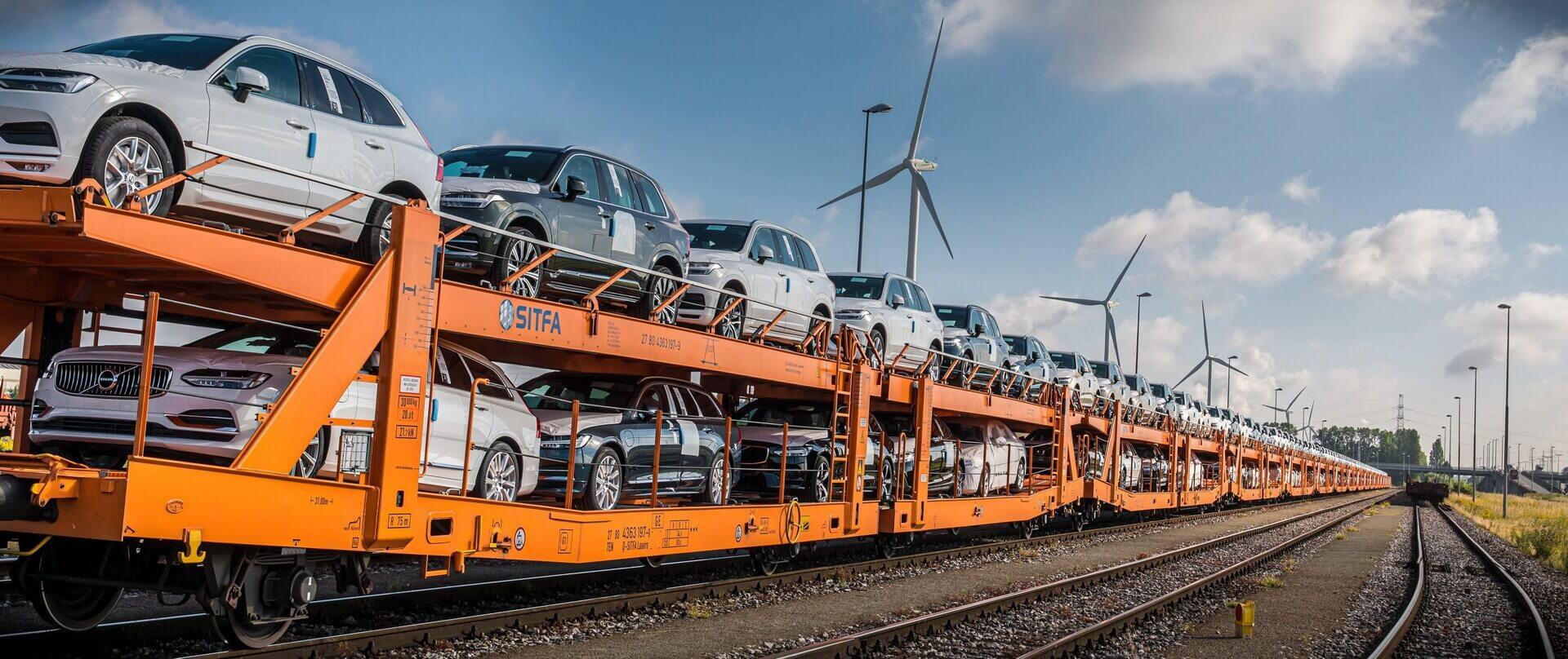 Компанія Volvo Cars скорочує вуглецеві викиди у своїх логістичних операціях