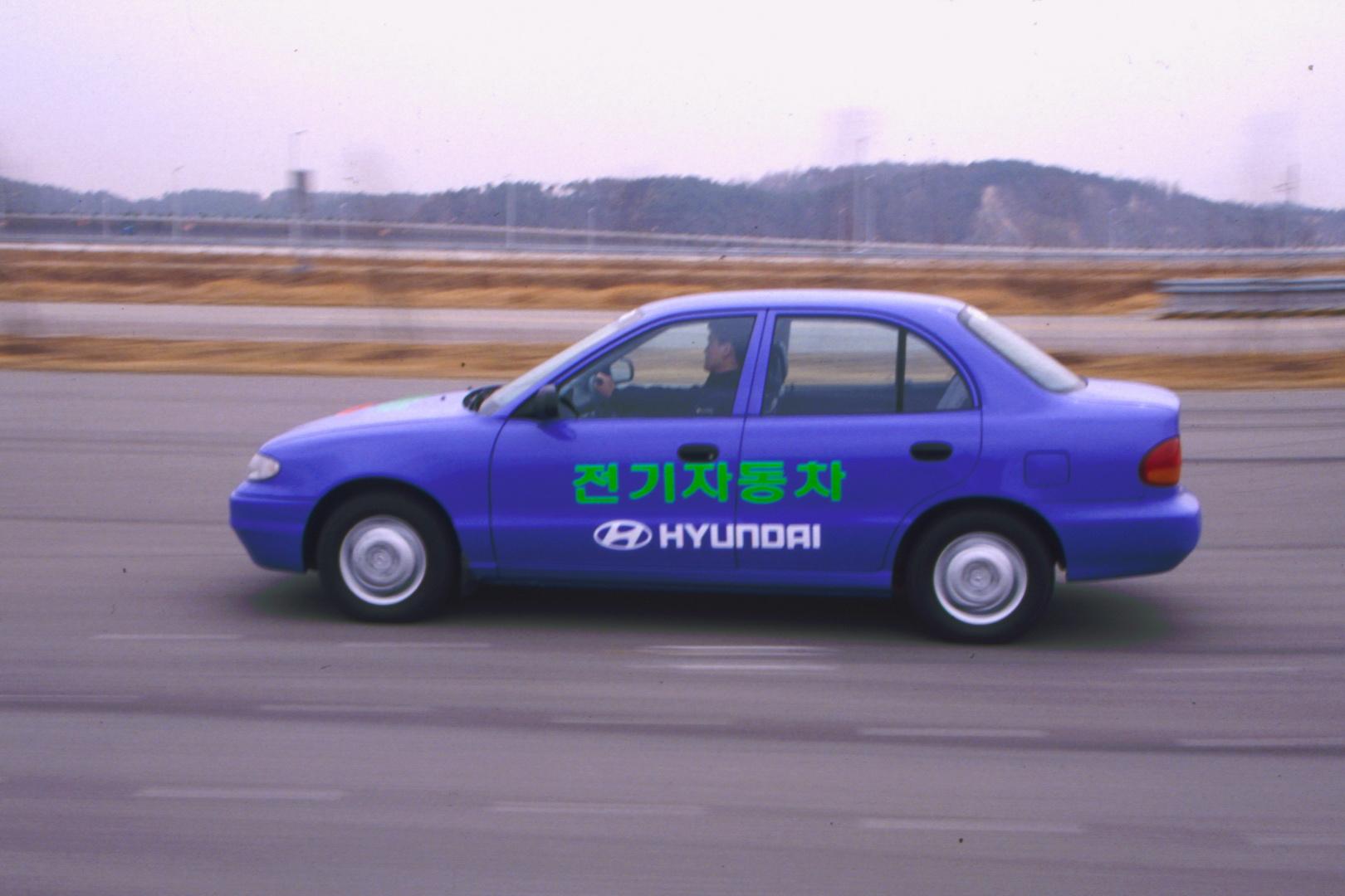 Hyundai Accent EV