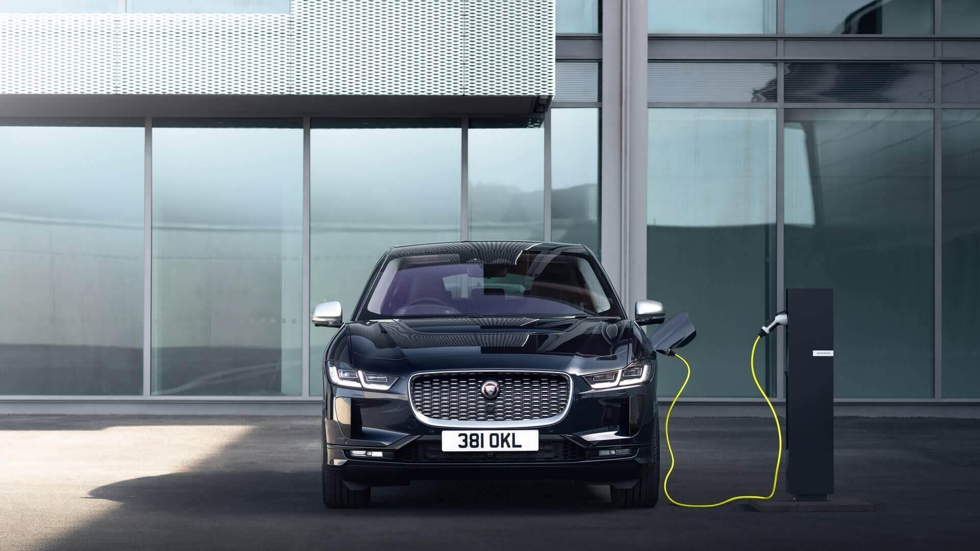 Jaguar I-PACE 2021 отримав бортовий зарядний пристрій потужністю 11 кВт