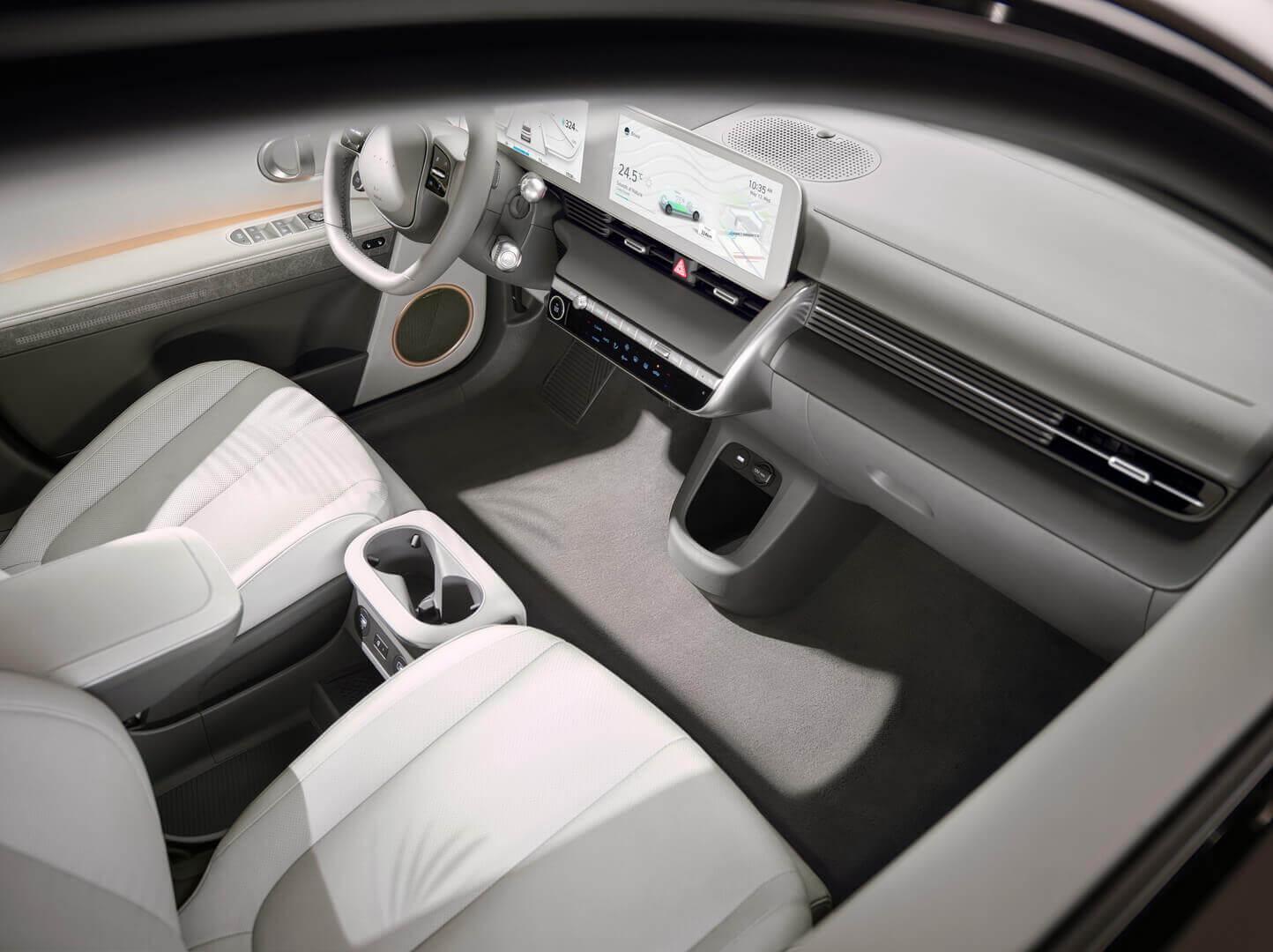 Hyundai IONIQ 5 отримав рухому центральну консоль і екологічний інтер'єр