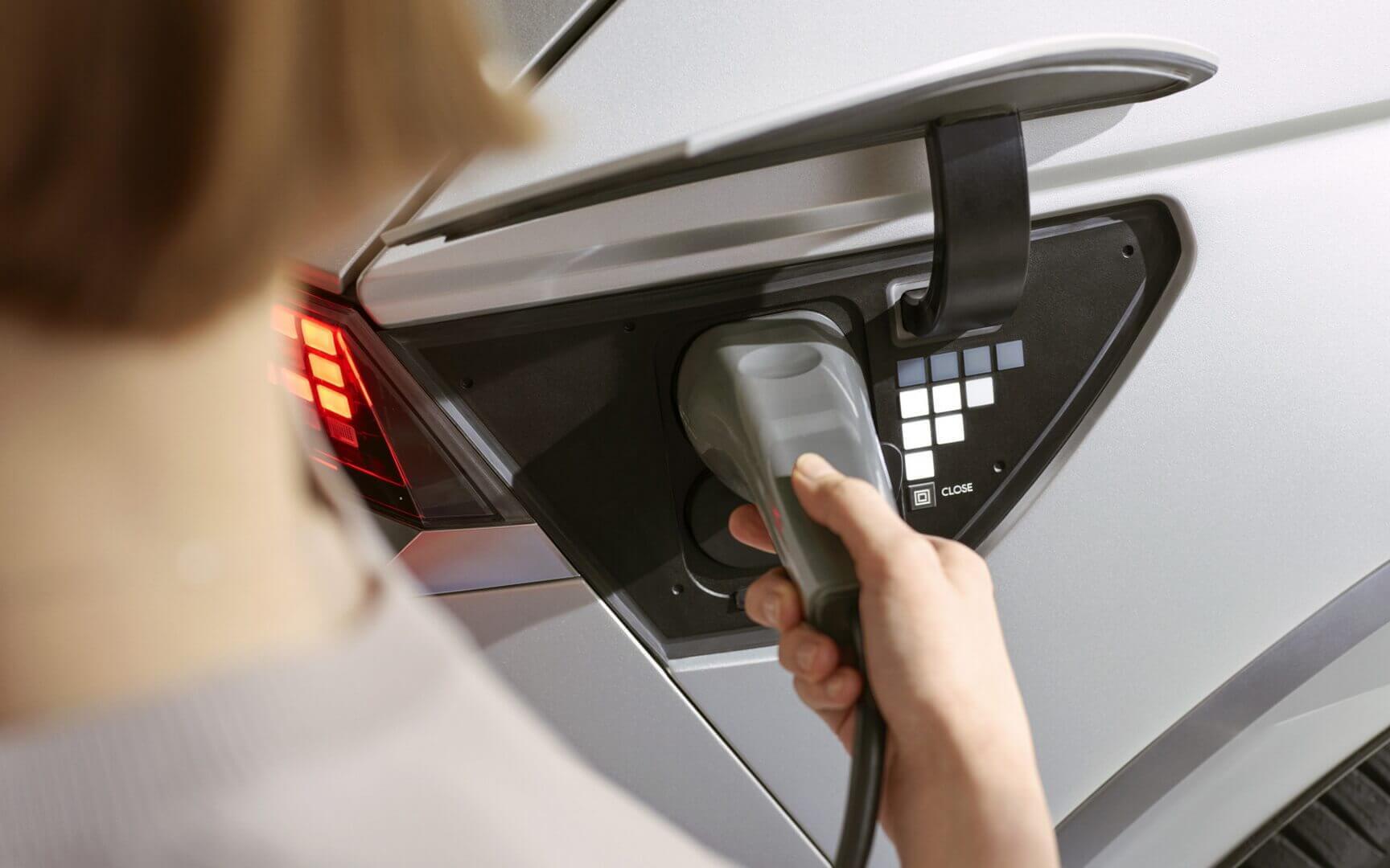 Hyundai IONIQ 5 підтримує зарядку потужністю 350 кВт