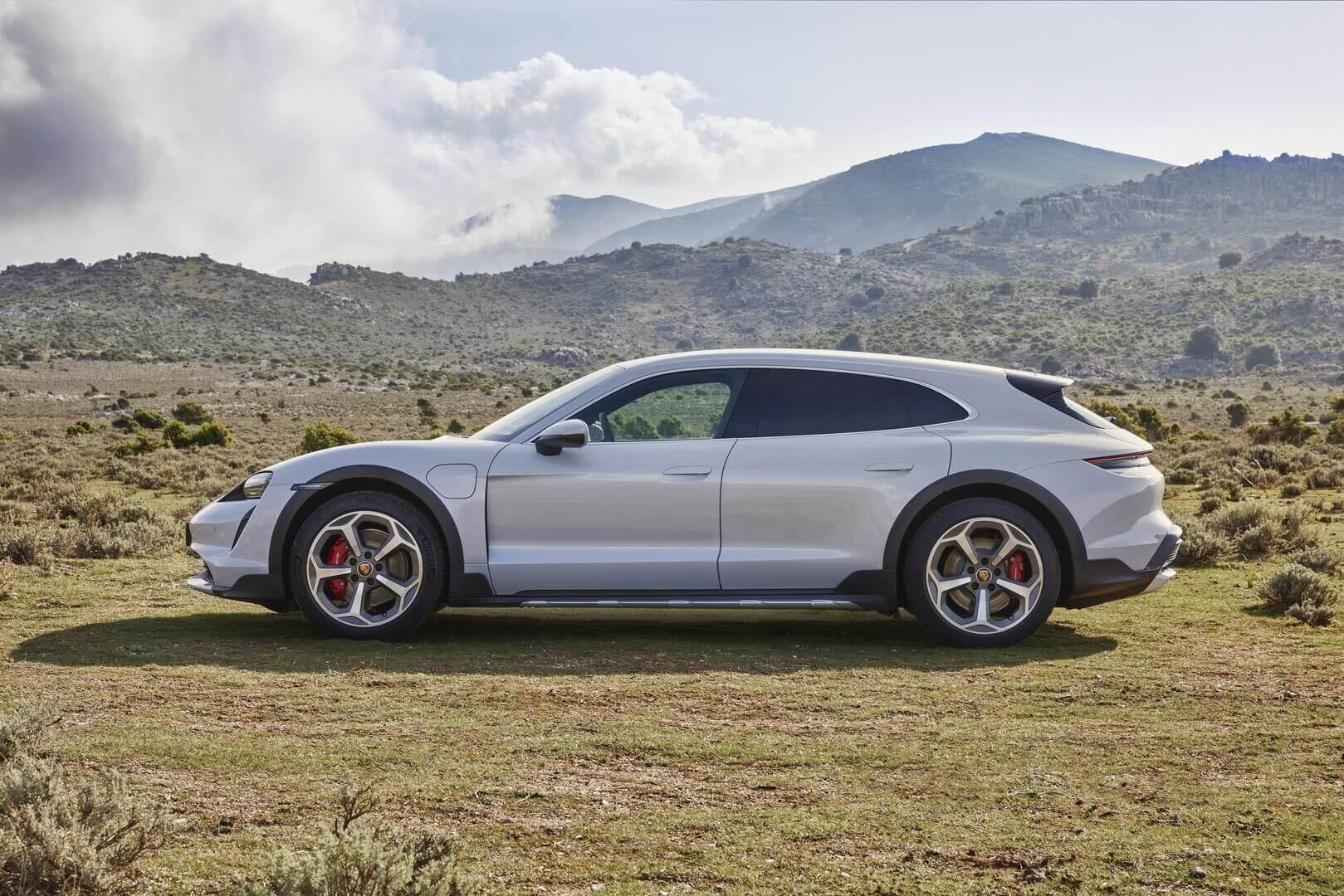 Porsche Taycan Cross Turismo представлений офіційно в чотирьох модифікаціях