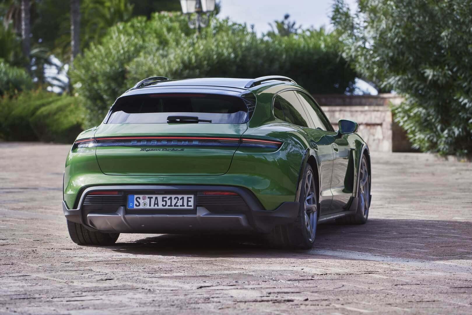 Екстер'єр Porsche Taycan Turbo S Cross Turismo