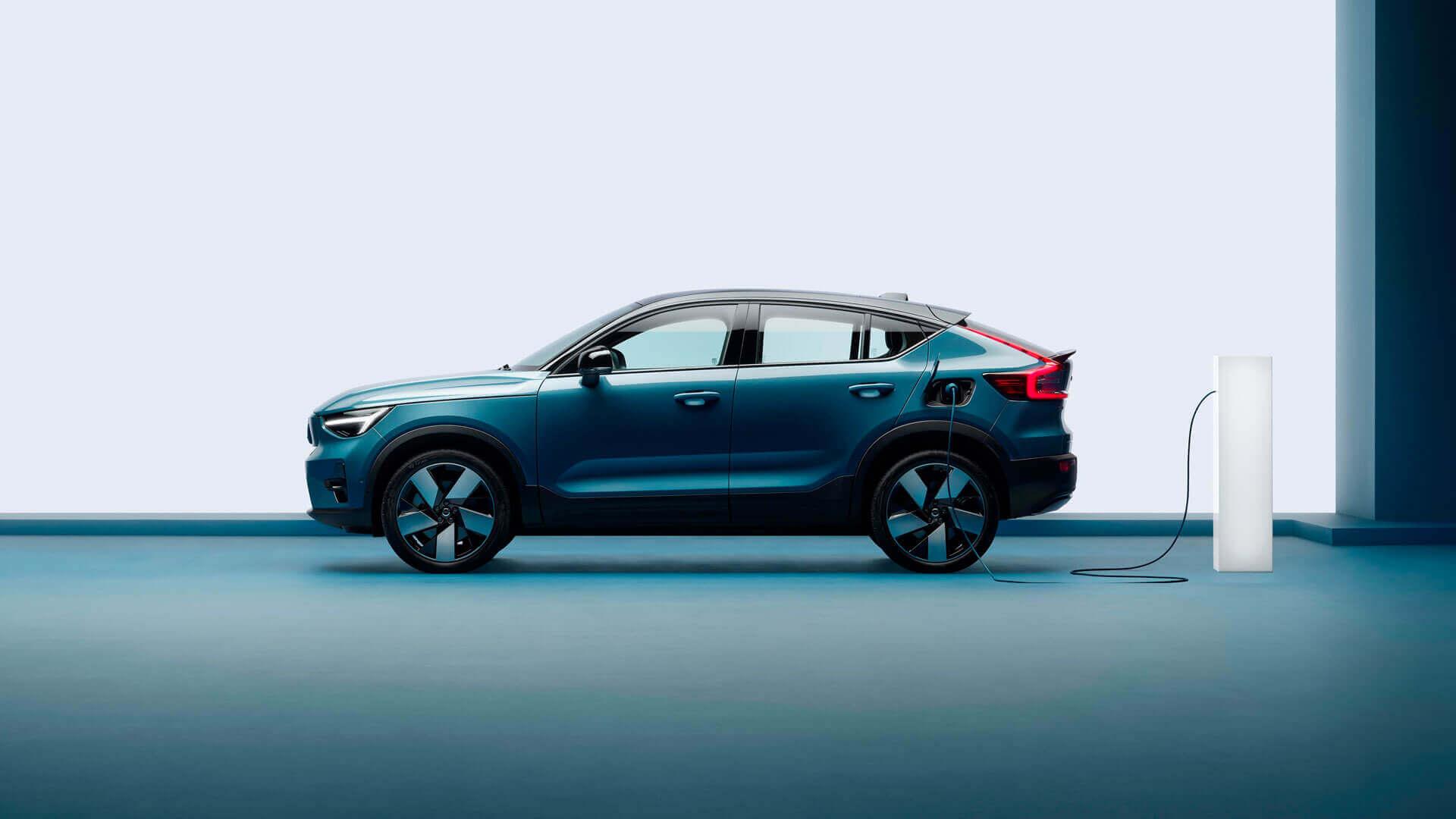 Volvo представляє електричний кросовер C40 Recharge